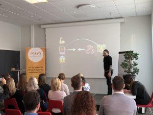 Anders Hallberg berättar om storytelling i sociala medier
